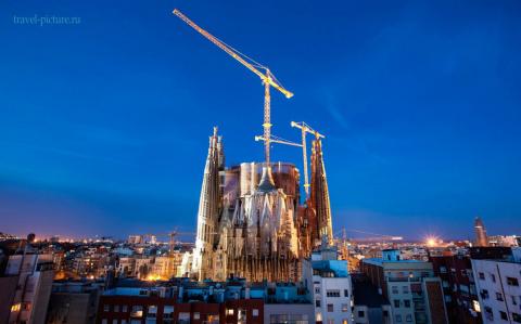 Архитектурный город Барселон…