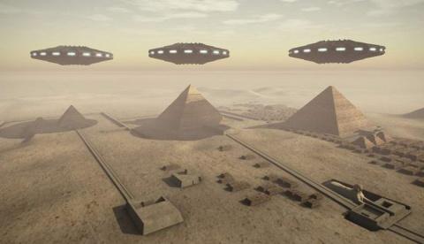 Пришельцы оставили огромные древние письмена возле Пирамиды Хеопса