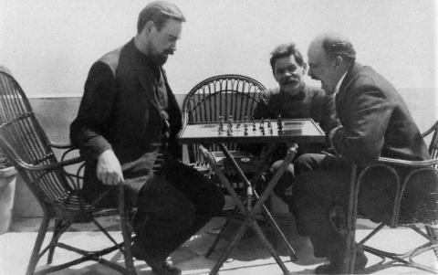 Два пассионария - Ленин и Горький: штрихи вековой давности