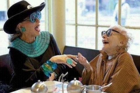 Встречено в интернете и умилило: Хочу в старости таких подруг!