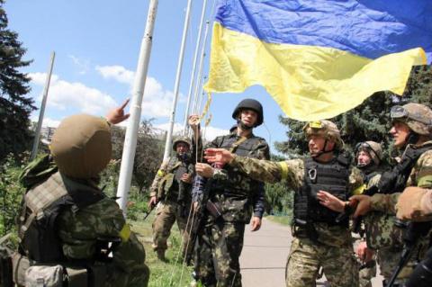 """Видео с """"доблестной и непобедимой"""" армией ВСУ разозлило украинцев"""