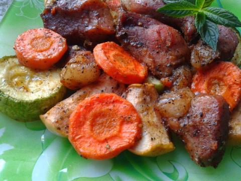 Вкуснейшая запечённая свинина в духовке - на низкой температуре!