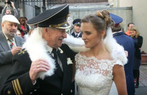 Молодая жена Ивана Краско взяла его фамилию