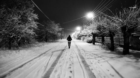 Девочка на трассе, Современн…