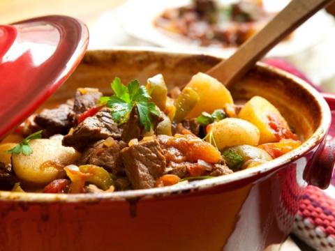 5 рецептов блюд с тушенкой