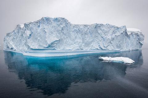 Потрясающее видео Антарктиды