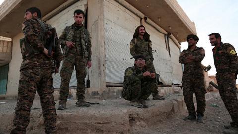 После Ракки: США ищут, где бы в Сирии помахать кулаками. А негде