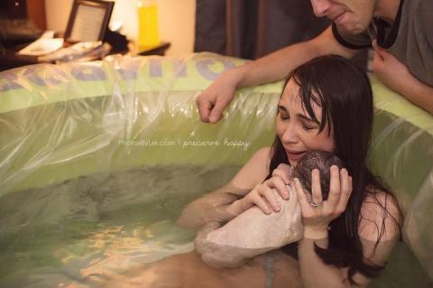 Женщины во время родов и их …