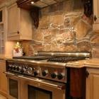 Декоративный камень на кухне.