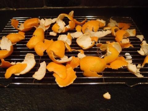 Не выбрасывайте мандариновые корки!