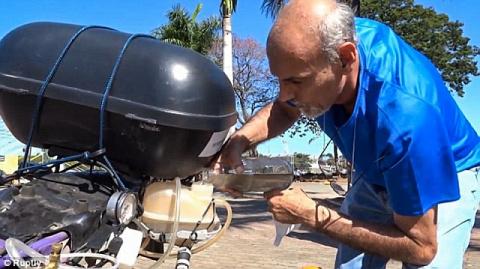 Бразилец переделал бензиновый мотоцикл на водородный