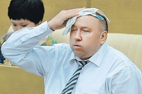 Дивное интервью Коржакова КП, в котором он рассказывает, как его пытались привлечь в заговоры против Ельцина