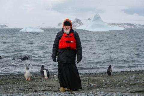 Патриарх Кирилл встретился с пингвинами