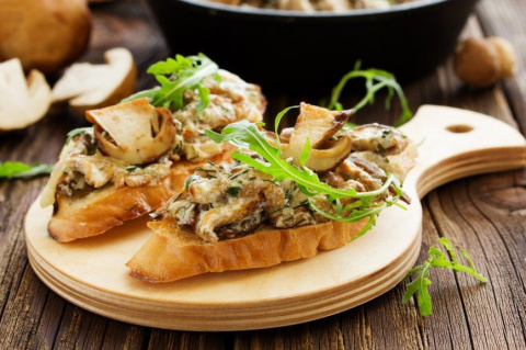 Брускетта с грибами от шеф-повара