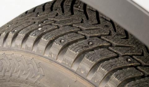 Зимние шины с автоматическими шипами