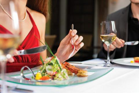 Ошибки этикета, которые все совершают в ресторане