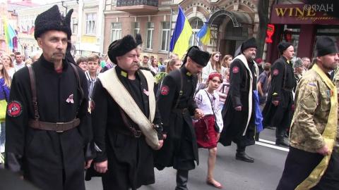 Принудительная украинизация русских граждан Украины вызывает обратный эффект