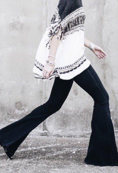 Символ свободы: c чем носить джинсы-клеш этой осенью
