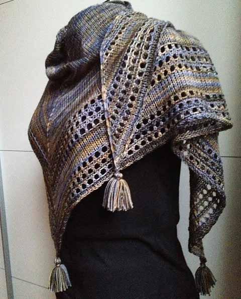 Как вязать треугольный платок спицами