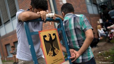 Как и зачем уничтожают Германию