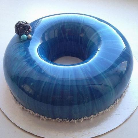 Эти торты слишком идеальны, …