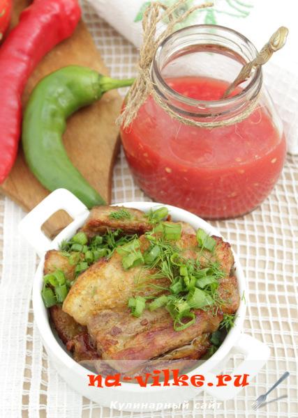 Запеченная в духовке свинина, замаринованная в манговом соусе