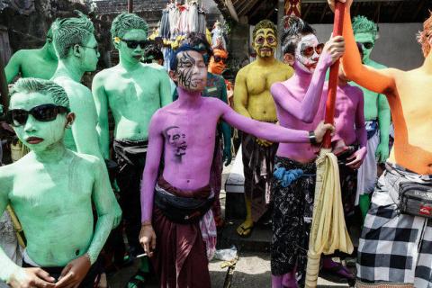 Ритуал изгнания злых духов на Бали