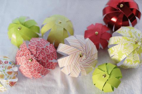 Ёлочные игрушки избумаги