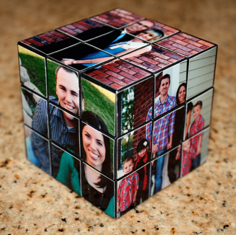 Кубик Рубика ссемейными фот…