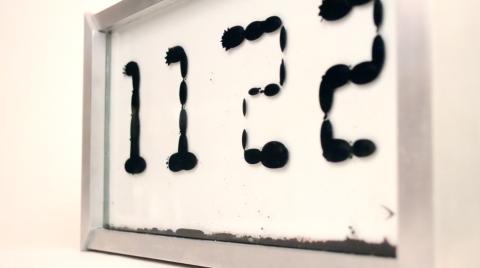 Часы Ferrolic с терапевтическим эффектом