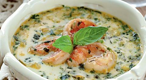 ДЕНЬ ПЕРВОГО БЛЮДА. Огуречный суп с зеленой фасолью и креветками