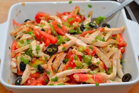 Оригинальный салат из курицы. Очень вкусно и оригинально!