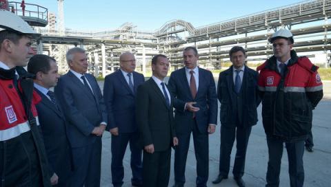 Медведев: РФ вскоре освободит рынок от низкокачественного топлива