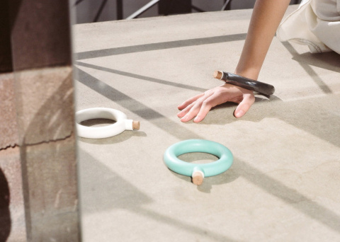 Сосуд-браслет на запястье