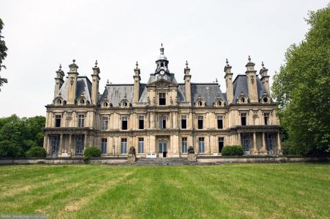 Заброшенные замки Франции.
