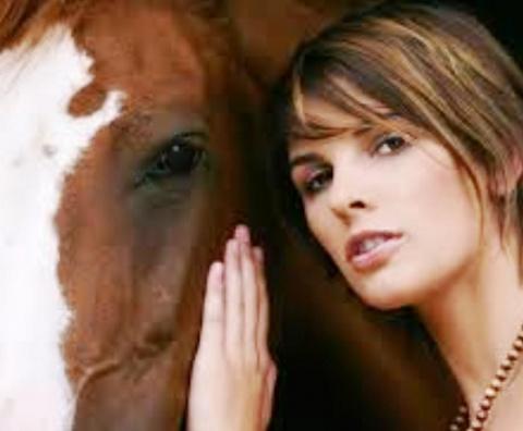 """Такое простое женское желание. И никакой не феминизм: """"Надоело — лошадью! Я хочу быть женщиной!"""""""
