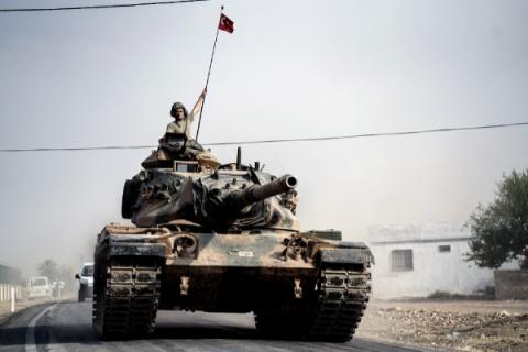 Турки пошли в атаку на курдо…