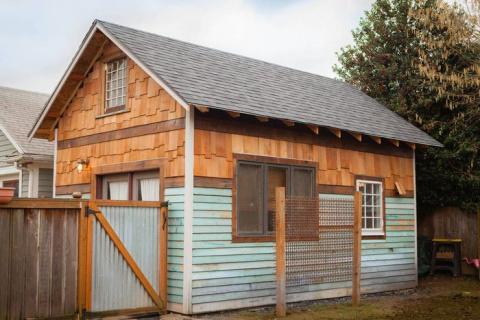 Крутой домик вместо старого сарая: 35 квадратных метров сплошного уюта