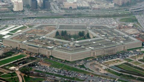 """Пентагон о своих войсках в Европе: США должны играть на """"чужом поле"""""""
