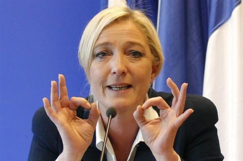 Новости мира: Ле Пен объединяется с движением «Вставай, Франция»