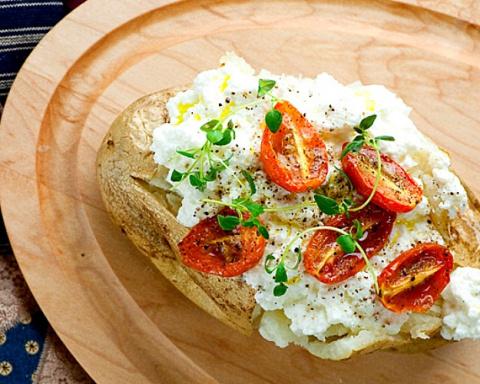 БЛЮДО ВЫХОДНОГО ДНЯ. 12 рецептов запечённого картофеля