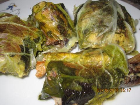 Рыба в листьях пекинской капусты, в тажине.
