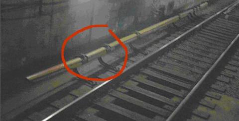 Ты упал на рельсы в метро: к…