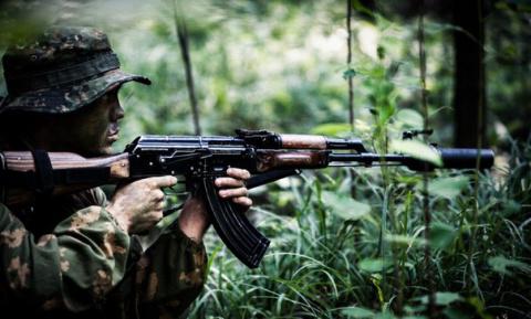 Стрельба из винтовки по движ…