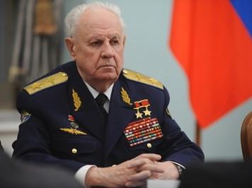 В Москве открыт памятник на могиле маршала авиации Александра Ефимова