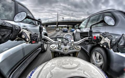 Мотоциклисты получат преимущ…