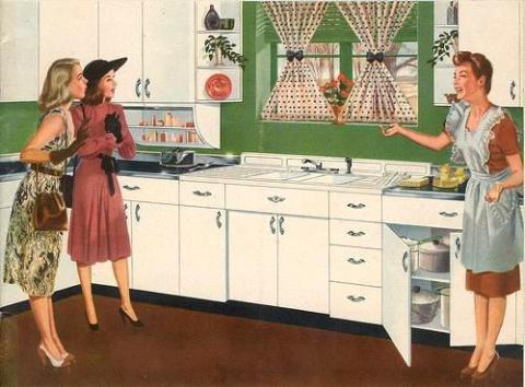 Кто и зачем загоняет женщин в кухонное стойло?