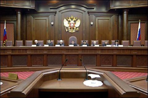 Смольный подал в суд на правительство РФ