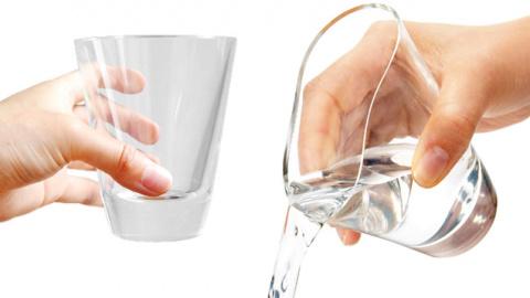 Стеклянный стакан из магического силикона