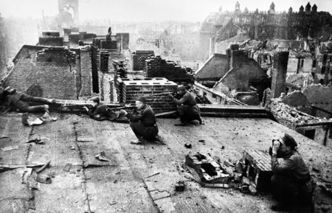 28 апреля 1945 год. Войска 1…